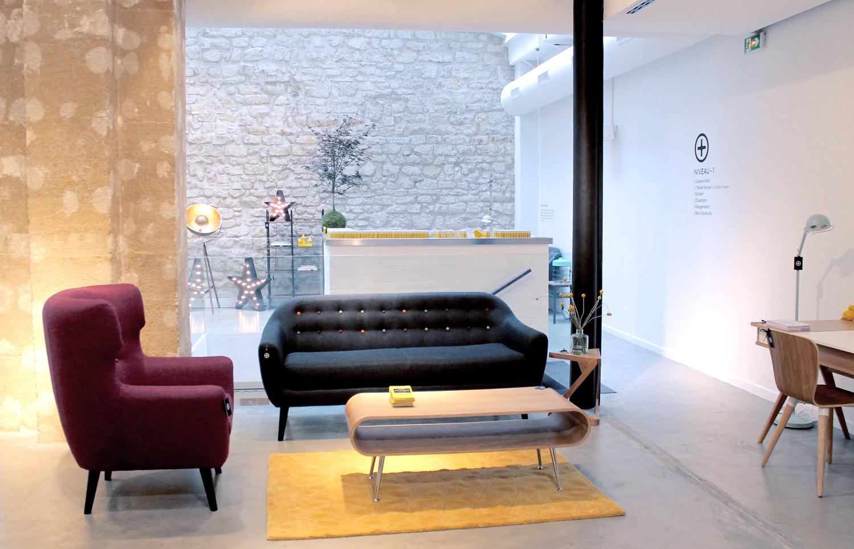 nouveau showroom parisien pour volcan design. Black Bedroom Furniture Sets. Home Design Ideas